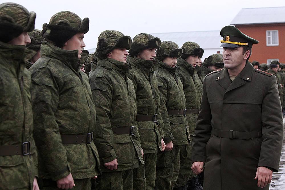 Взаимоотношения между военнослужащими